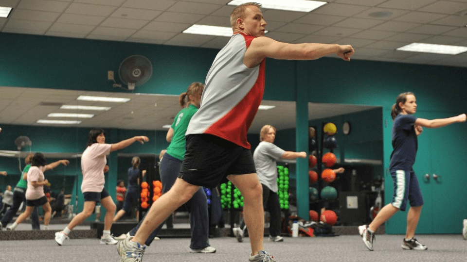 Fitness-motivation-tips-exercise-to-get-fit-group-fitness-class