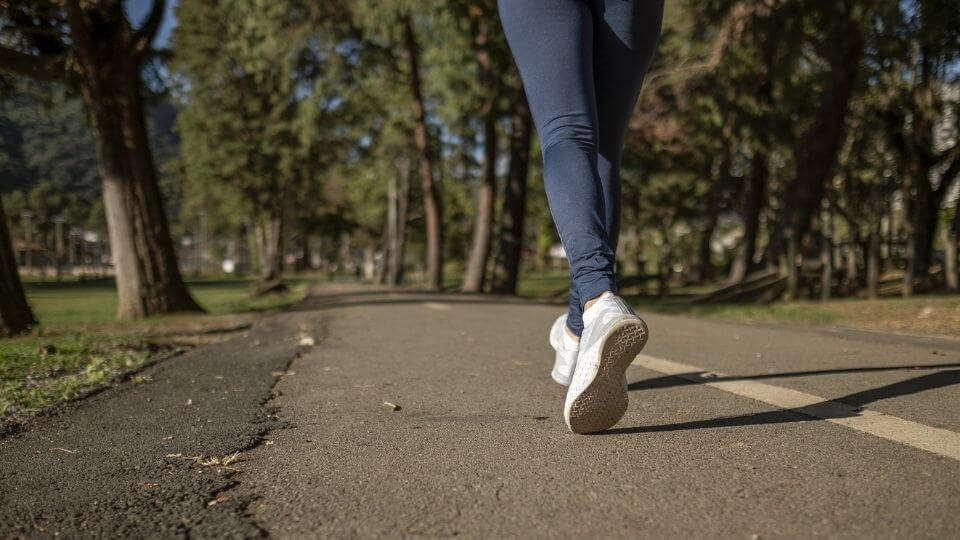 Regular workout changes to avoid plateau - walking or jogging in park