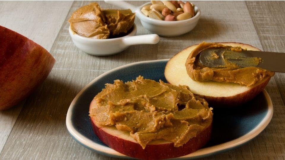healthy snack-apple slices with peanut butter